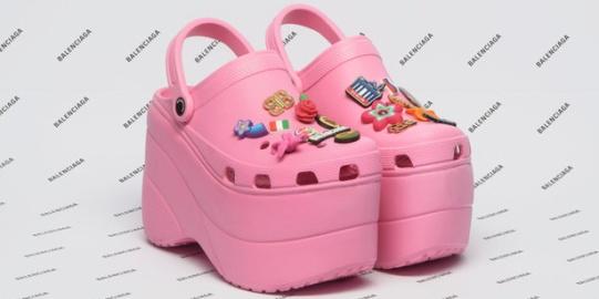 1506929688-balenciaga-foam-shoes-1506878844_1
