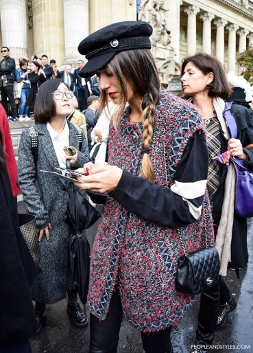 how-to-wear-cap-sleeveless-coat-street-style-fashion-paris-fashion-week-chanel-people-and-styles-1