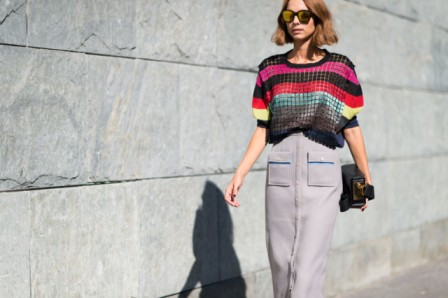 milan-fashion-week-street-style-via-elle-com-rainbow-stripes-striped-fall-stripes-geometrica-midi-button-fron-tskirt-grey-640x426