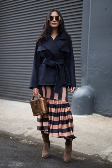 mtyuir-l-610x610-skirt-gold+bag-nyfw+2017-fashion+week+2017-fashion+week-streetstyle-midi+skirt-stripes-striped+skirt-asymmetrical-asymmetrical+skirt-bag-metallic-jacket-blue+jacket-navy
