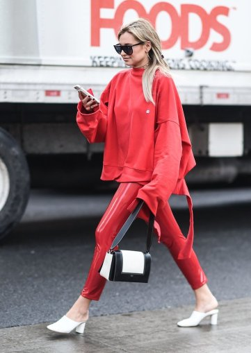 Red-Street-Style-Trend-Fashion-Week-Fall-2017-1