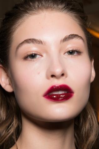 fall2017-dark-lipstick-valli-1