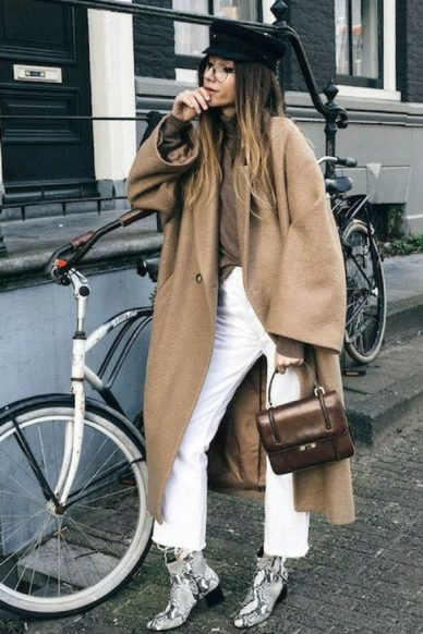 maven46-how-to-wear-white-jeans-in-winter-street-style-4-700x1050