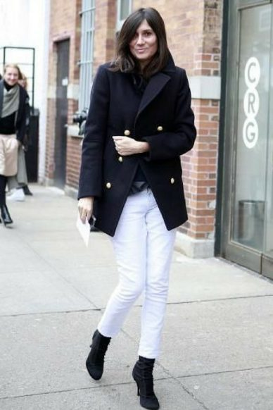 maven46-how-to-wear-white-jeans-in-winter-street-style-5-700x1050