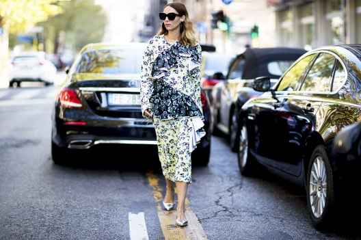 milan-fashion-week-street-style-spring-2018-candela-novembre-floral-print-green-yellow-top-skirt
