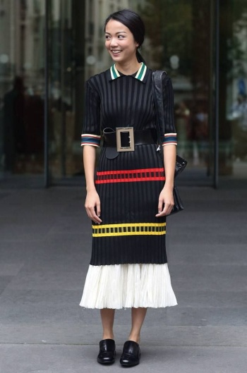 4.-Wide-Belt-With-Cute-Dress