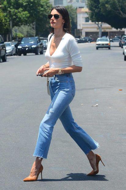 6c7d26a16b2b3d8915c4d38dbfe3d240--trendy-jeans-jeans-casual