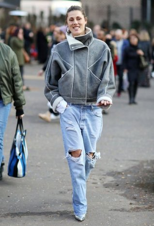 renwf8-l-610x610-jacket-london+fashion+week+2017-fashion+week+2017-fashion+week-streetstyle-grey+jacket-denim-jeans-blue+jeans-ripped+jeans-boots-pointed+boots-metallic-metallic+shoes