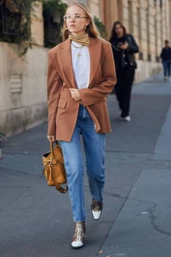 fashion-week-street-style-accessories-269118-1538490720980-image.900x0c